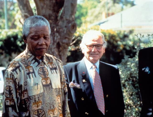 Pierre Cardin: 1995 - He meets Nelson Mandela in South-Africa, a few months after his election to the presidency.