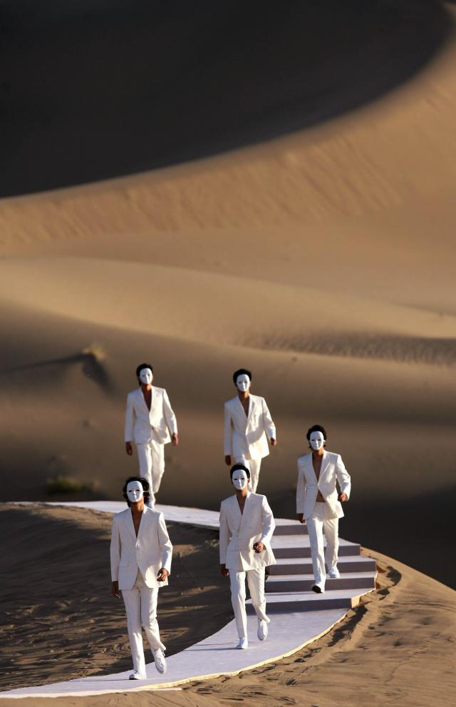 Pierre Cardin: 2007 - His collection is presented during a fashion show in the Gobi desert, in China.