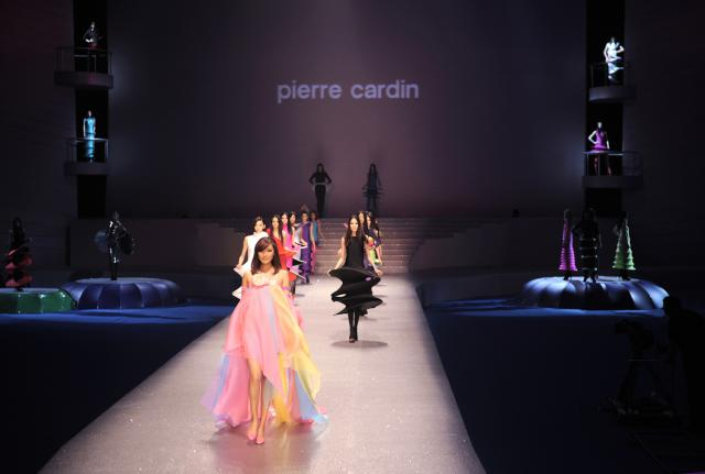 Pierre Cardin: 2012 - This year, his fashion shows take place at White Palace in Belgrade (Serbia), at Water Cube in Beijing (China), and at Palais Brongniart in Paris (France).He...