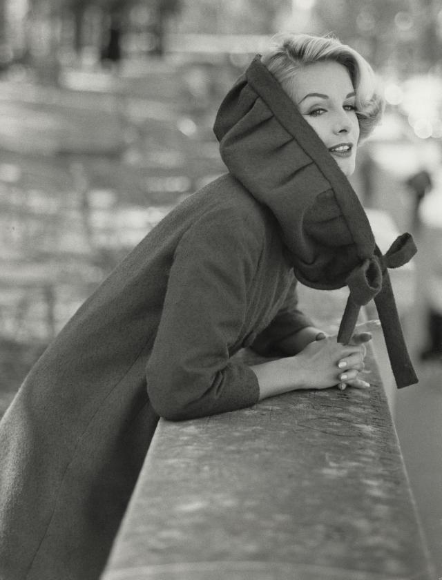 1954. Création Haute Couture Pierre Cardin Manteau -