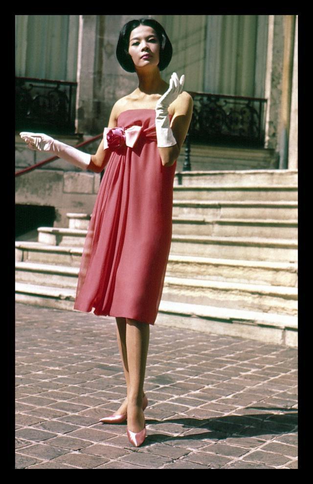 1957. Création Haute Couture Pierre Cardin Robe de soirée -