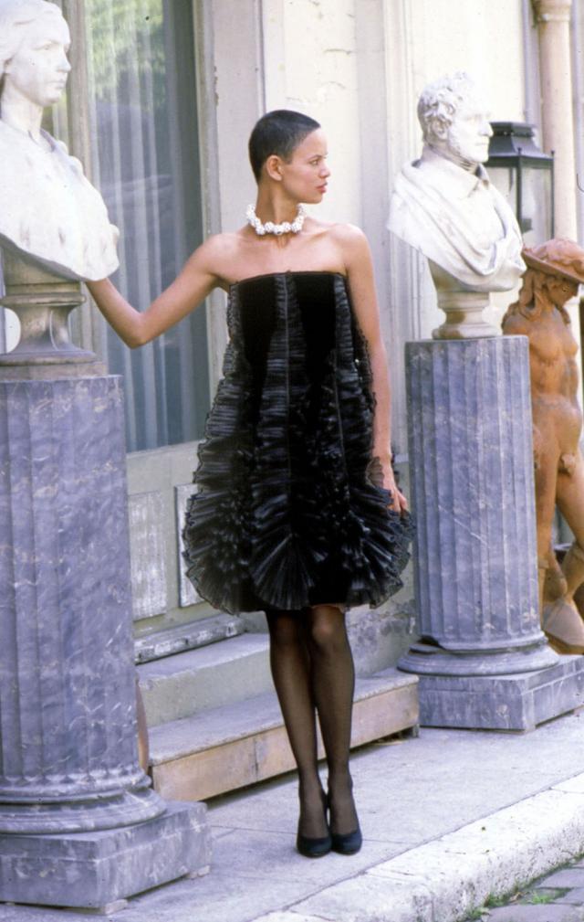 Robe. Création Haute Couture Pierre Cardin - 1980