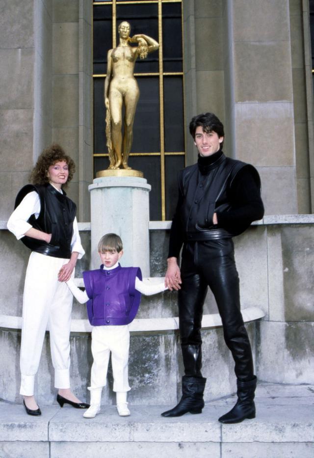 Collection Haute Couture Homme, Femme, Enfant. Haute couture Creation - 1982