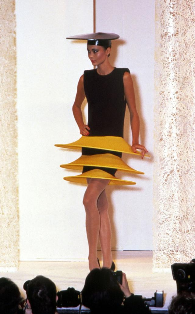 1985. Pierre Cardin Haute Couture Creation Robe -