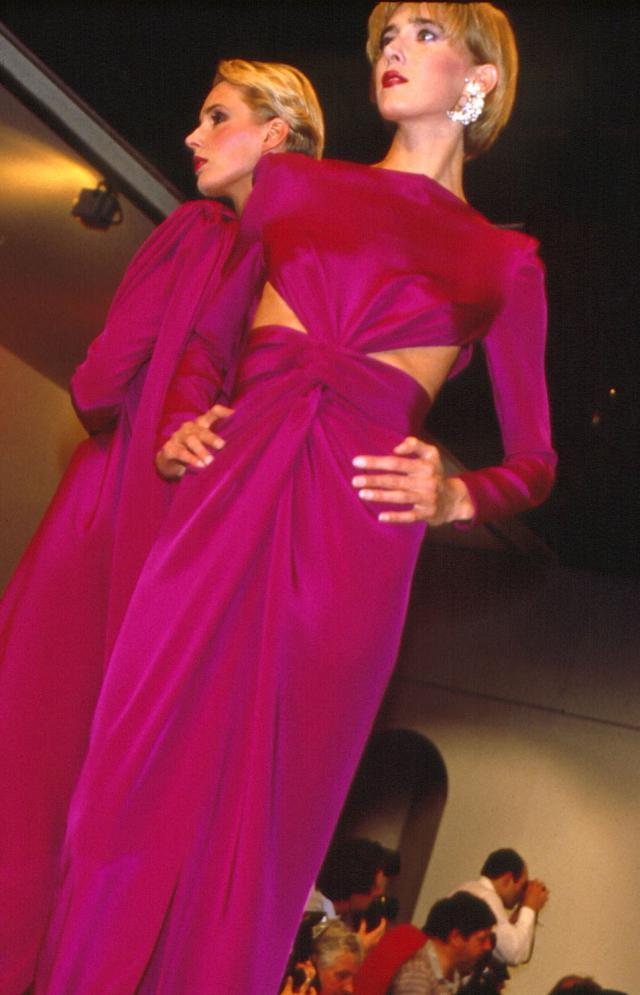 1985. Création Haute Couture Pierre Cardin Robe -