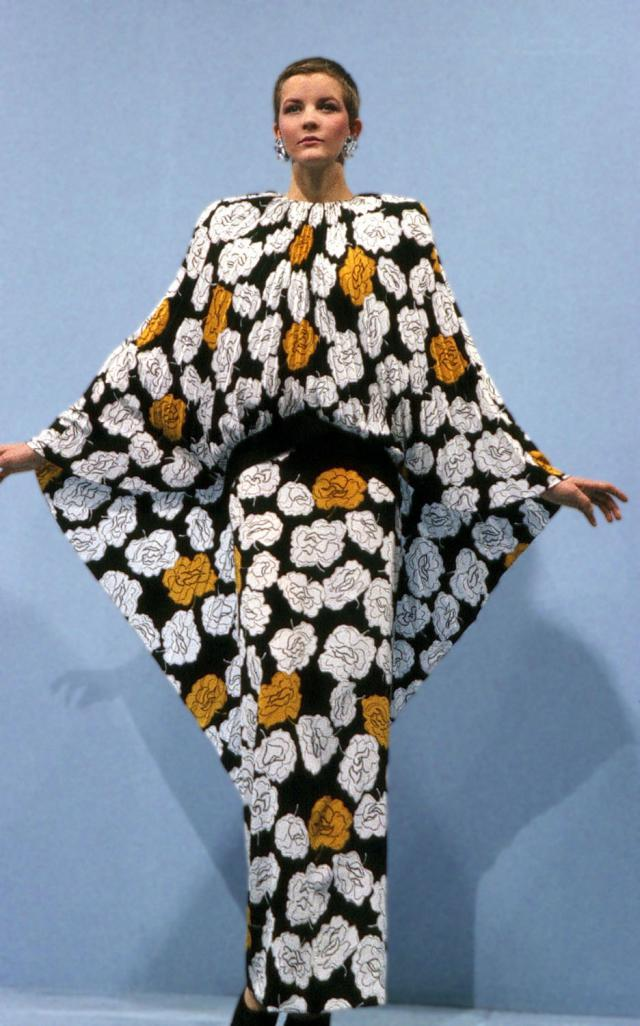 1986. Création Haute Couture Robe -