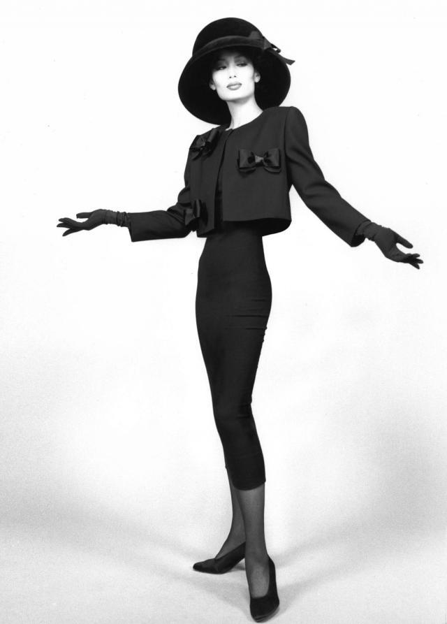 1990. Création Haute Couture Pierre Cardin -
