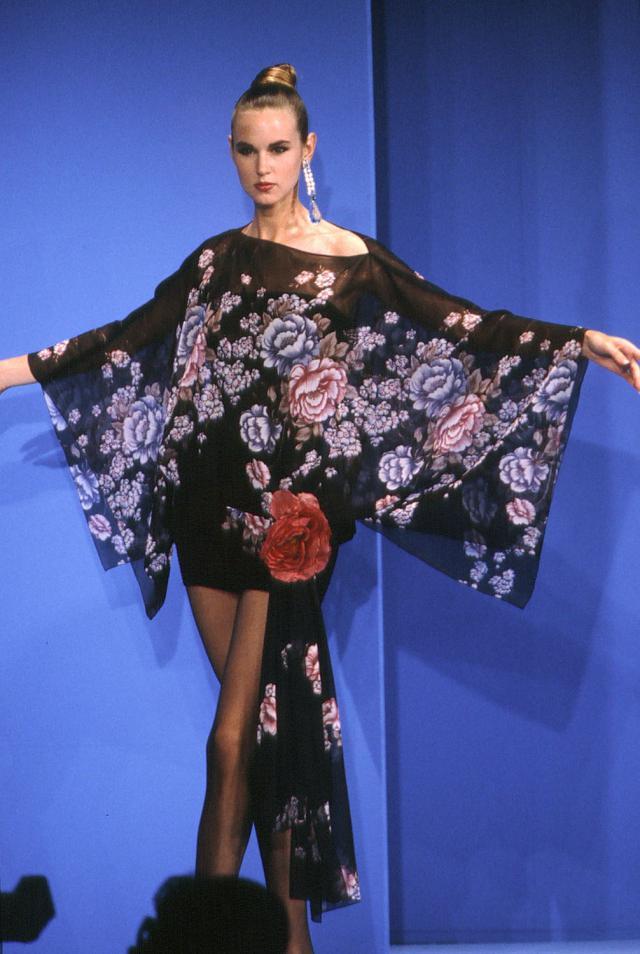 1991. Création Haute Couture Pierre Cardin Robe de soirée - 1991