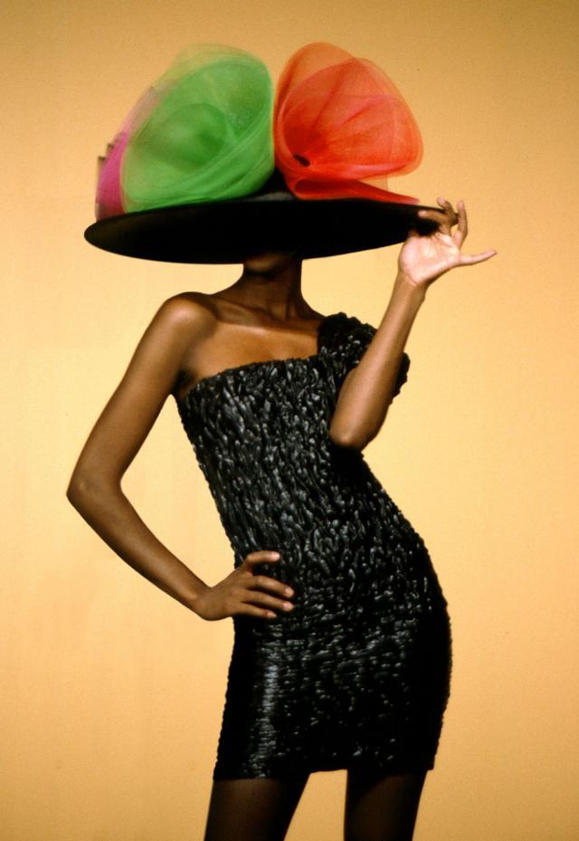 1992. Création Haute Couture Pierre Cardin - 1992