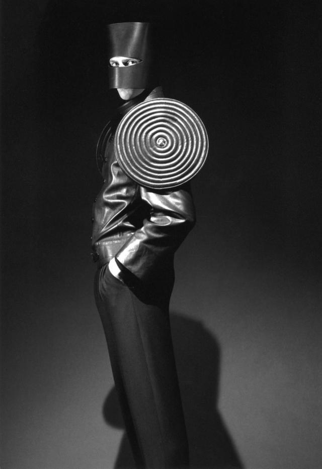 1995. Création Haute Couture Pierre Cardin  Veste pour homme -