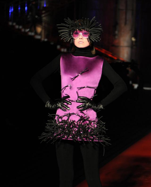 "2008. Création Haute Couture Pierre Cardin Défilé ""De Sade"" -"