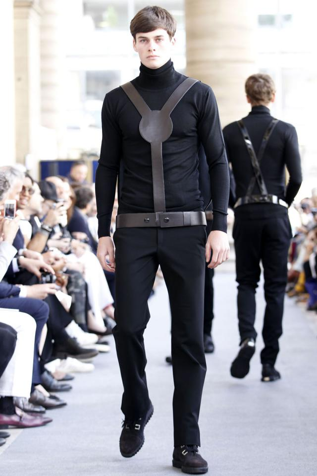 """2012. Création Haute Couture Pierre Cardin Défilé """"Tranoï"""" -"""
