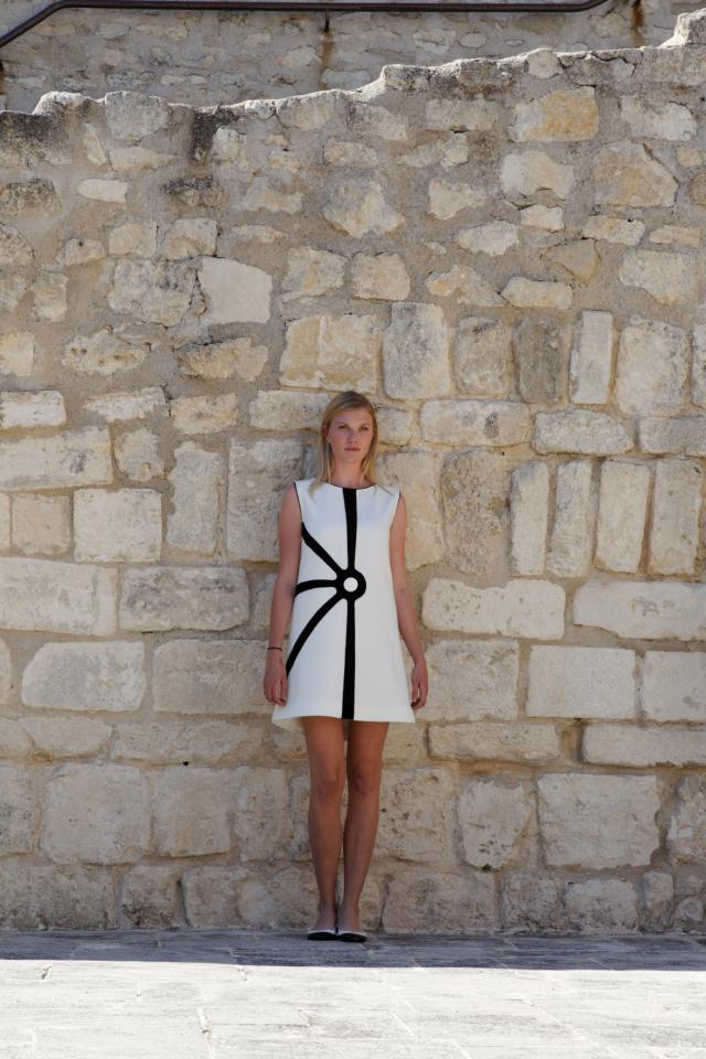 Haute couture catwalk at lacoste castle pierre cardin for Haute pierre