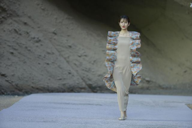 Spring/Summer 2017. Pierre Cardin Haute Couture Catwalk in China's Yellow River Stone Forest -