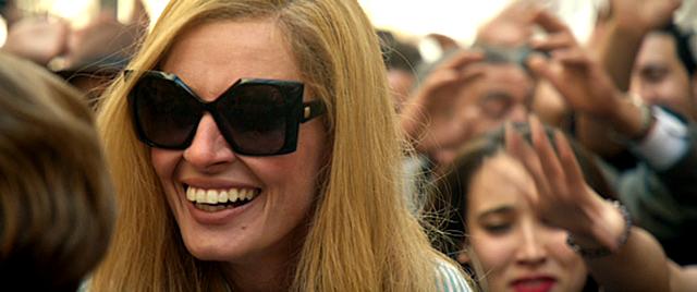Lunettes de soleil Collection 2017. Les lunettes « Papillons » de la nouvelle collection Pierre Cardin Paris portées par « Dalida » interprétée... -