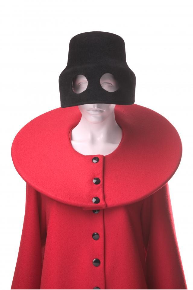 Coat. Les Sculptures Utilitaires by Pierre Cardin - 1989