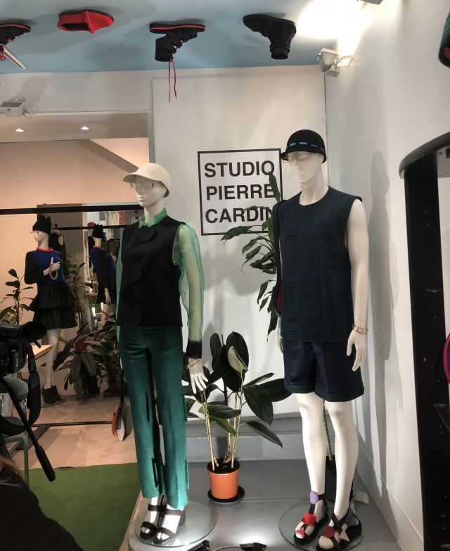 Pierre Cardin: 2020 - Le 27 février Pierre Cardin inaugure la nouvelle boutique Studio Pierre Cardin au 72, rue Saint-Honoré Paris 1er.